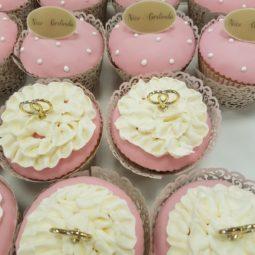Cup cake met logo + ringen
