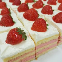Mini gebak aardbei
