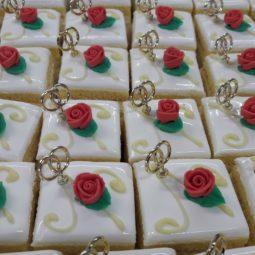 Mini gebakjes met roosje