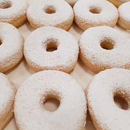 Donut met witte suiker