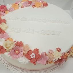 Bruidstaart bloemen